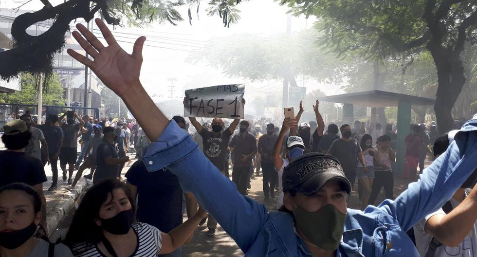 Strong riots in Argentine city after the return to strict quarantine due to the coronavirus