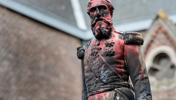 La estatua de Amberes había sido quemada y atacada con pintura antes de ser retirada. Foto: JONAS ROOSENS / Belga / AFP