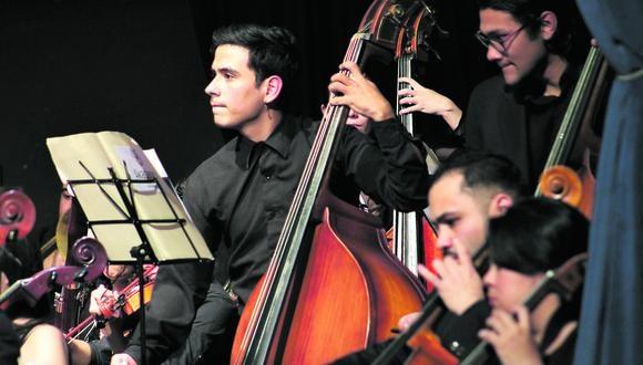 Son 120 músicos y 40 coristas venezolanos los que integran la orquesta.