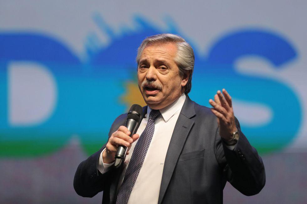El candidato a presidente Alberto Fernández del partido Frente De Todos participa en el acto de cierre de campaña. (Foto: EFE)