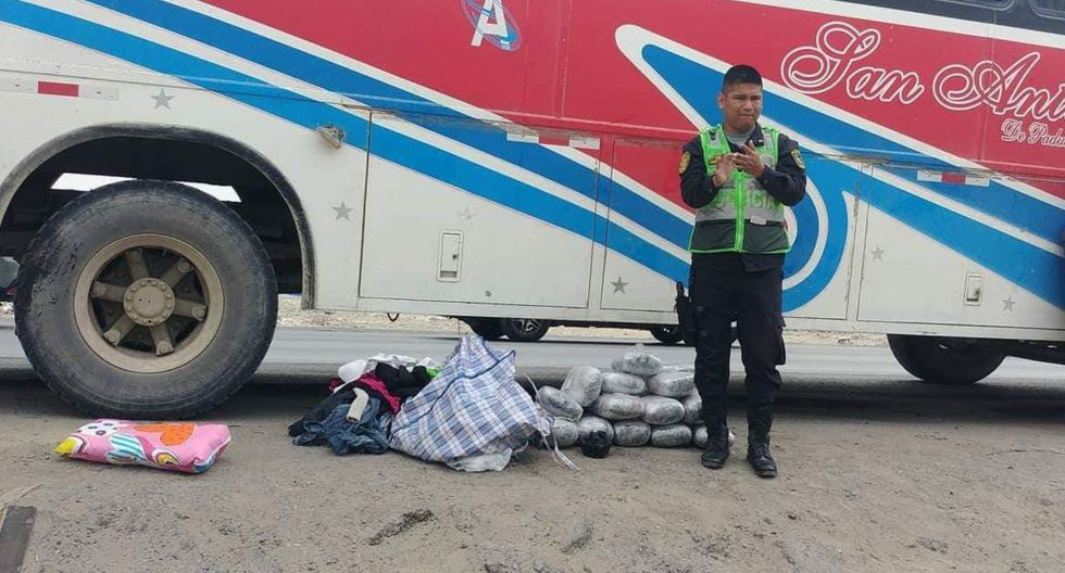 El cargamento ilegal fue hallado en el equipaje de Lourdes Ríos Hernández, de 43 años, quien fue intervenida luego de confesar a las autoridades que había accedido a llevar la droga (Foto: Mininter)
