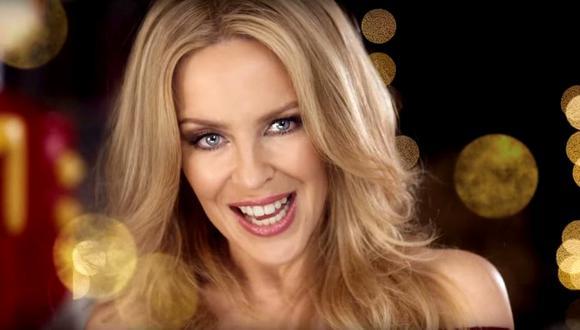 """La cantante australiana ha demostrado ser una mujer imparable, ya que ha revelado que está trabajando en su próximo disco y para celebrar su cumpleaños número 52, ha decidido lanzar al mercado su nueva línea de vinos """"Kylie Minogue Rosé""""."""