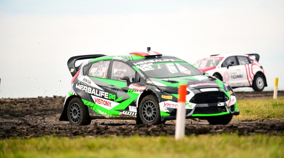 Nicolás Fuchs se impuso en las dos mangas clasificatorias de este sábado en segunda fecha del Campeonato de Rallycross de Argentina. Este domingo sigue la competencia. (Foto: Itea Comunicaciones)