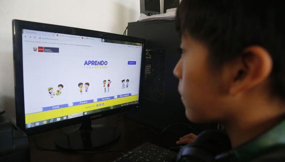 Aprendo en casa difunde contenido educativo mediante Internet, televisión y radio. (Foto: Andina)