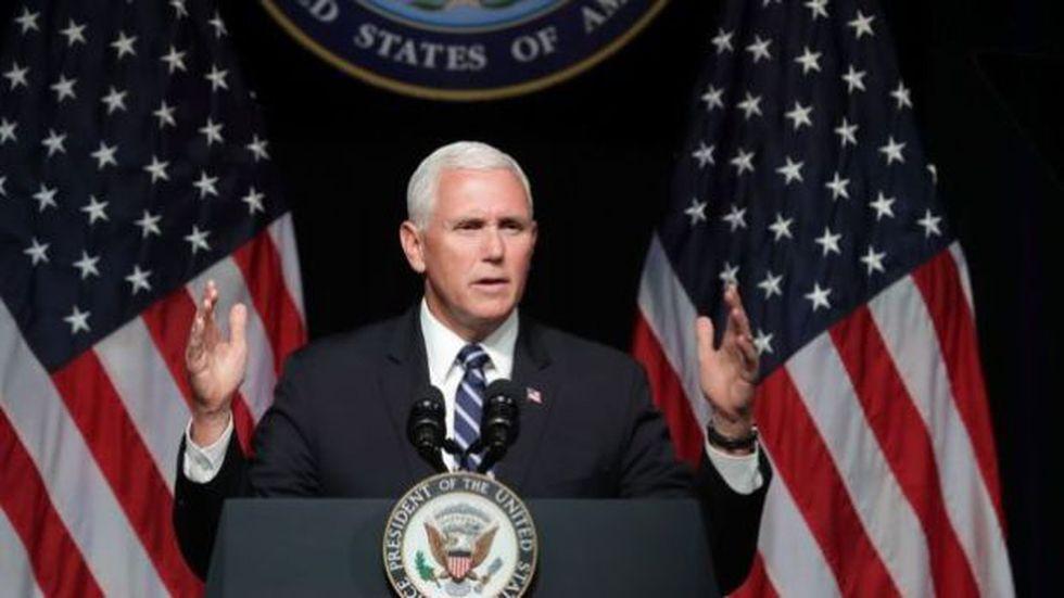La iniciativa para aplicar la enmienda 25 y sustituir a Trump dependería del vicepresidente Mike Pence. (Foto: BBC Mundo vía Getty Image)
