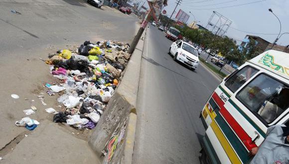Defensoría denunció a alcalde de Comas por no recoger basura
