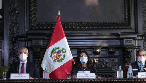 La titular de la PCM, Violeta Bermúdez, recordó que el gobierno de Francisco Sagasti se comprometió en llegar a la verdad en este caso. (Foto: Presidencia)