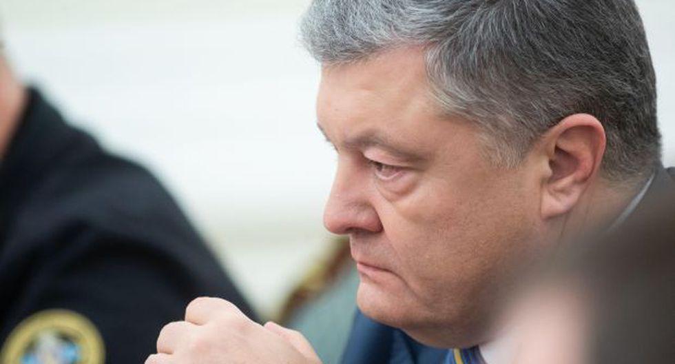 El presidente de Ucrania, Petro Poroshenko, dirige la reunión del Consejo de Seguridad Nacional y Defensa en Kiev tras el incidente naval con Rusia. (Foto: EFE)