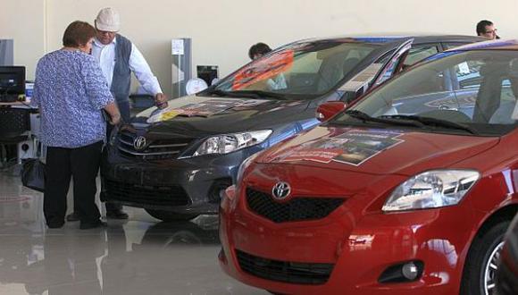 Aumentan los contribuyentes al impuesto vehicular