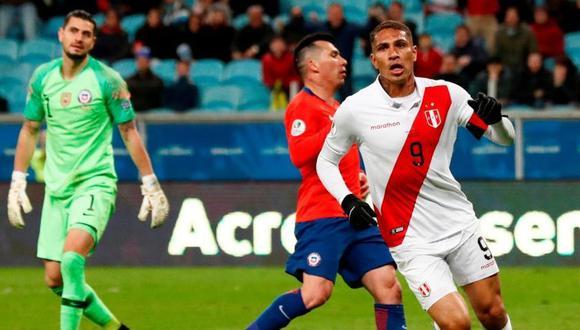 Paolo Guerrero no deja de recibir halagos tras su participación en el Perú vs. Chile y en esta oportunidad, el ex futbolista argentina, Jorge Valdano, se refirió en una columna de opinión al 'Depredador' (Foto: EFE)