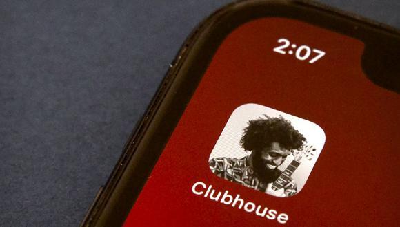 Clubhouse lleva poco más de un año disponible en iOS y ya se encuentra asomándose a Android. (Foto: AP/ Mark Schiefelbein)