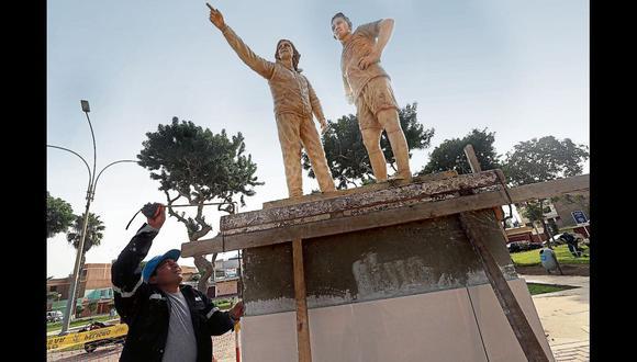 La Municipalidad de San Miguel instaló esculturas del entrenador Ricardo Gareca y del delantero Paolo Guerrero en el Parque Argentina