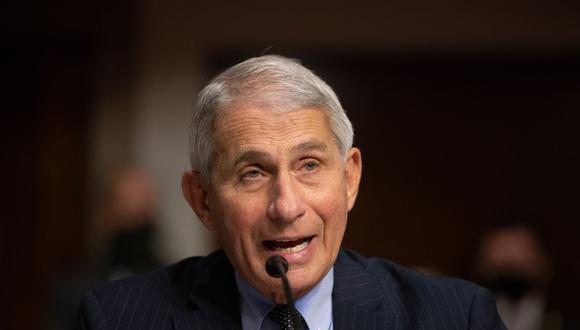 """El principal epidemiólogo de la Casa Blanca, Anthony Fauci, señaló que Estados Unidos podría regresar a una """"normalidad relativa"""" en torno al segundo o tercer trimestre de 2021. (Graeme JENNINGS / POOL / AFP)."""