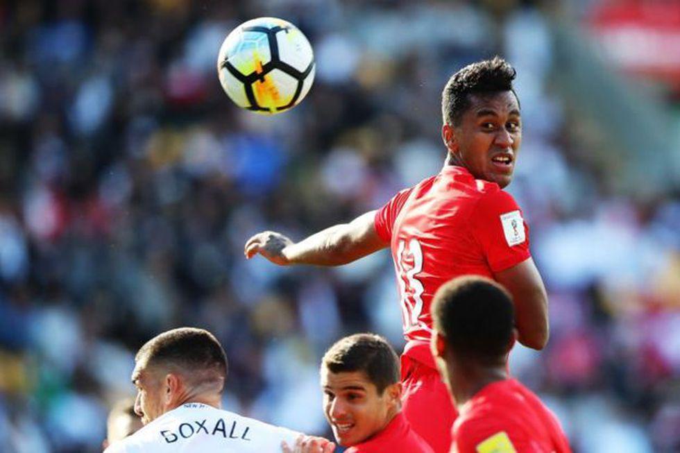 Pese a ser uno de los más jóvenes en el equipo, Tapia cumple un importante papel en el seleccionado peruano, tanto dentro como fuera e la cancha.