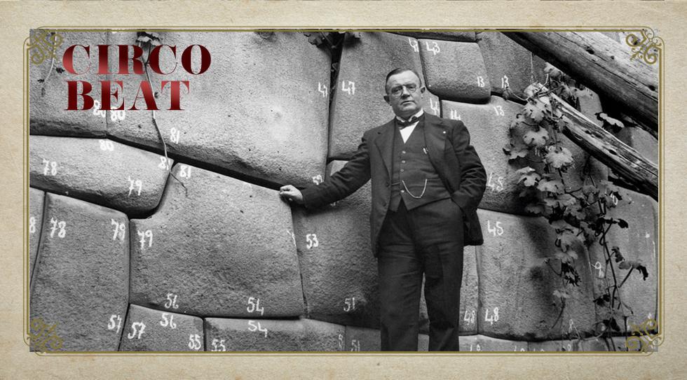 CUSCO, 1900. Científico alemán enumeró cada piedra de este muro inca para estudiarlas y ensamblarlas de nuevo. La requintada que habría merecido hoy por usar tiza sobre el anguloso pasado imperial.