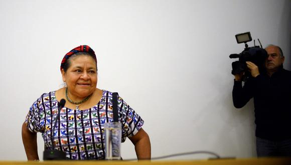 """La Premio Nobel de la Paz Rigoberta Menchú emplazó al presidente Sebastián Piñera a frenar """"graves y sistemáticas"""" violaciones a los derechos humanos denunciadas en el á,bito de la crisis social que afecta Chile. (AFP / RODRIGO ARANGUA)."""