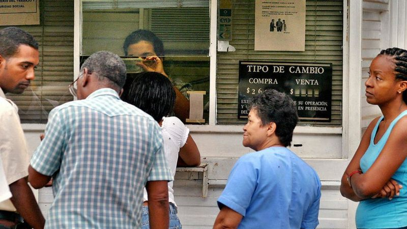 Cubans have increased the use of the dollar during the pandemic, according to Cuban authorities.