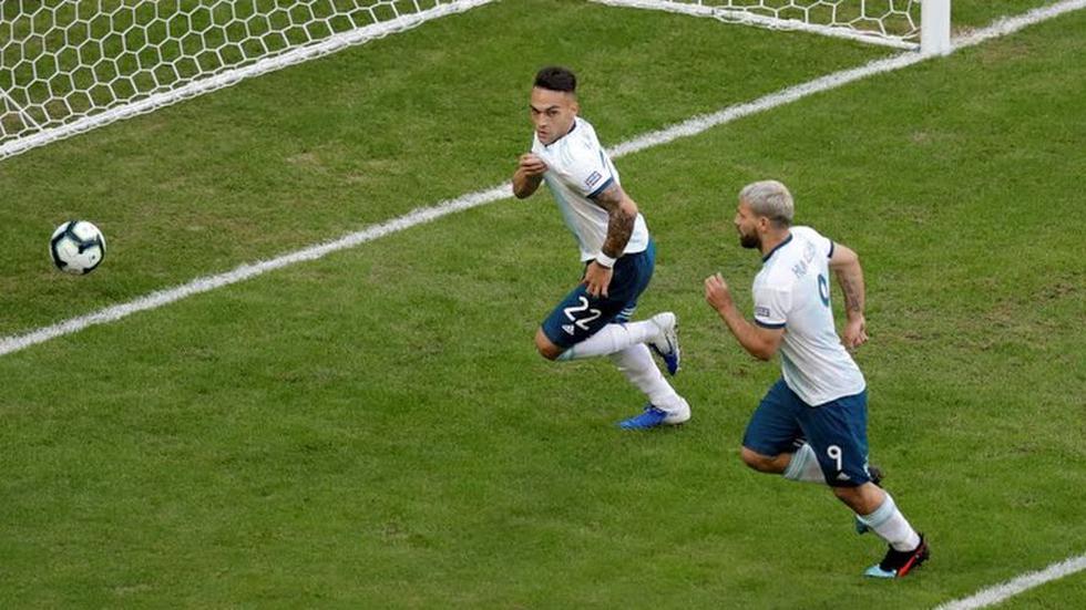 Lautaro Martínez fue el autor del 1-0 en el Argentina vs. Qatar por la tercera fecha de la Copa América 2019. El duelo se dio en el Arena Do Gremio (Foto: AFP)