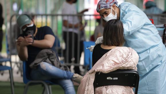 Hasta ahora solo se han vacunado los menores de 12 años con algún tipo de comorbilidad y que reciben tratamiento contra la TBC, por ejemplo   Foto: Britanie Arroyo / @photo.gec