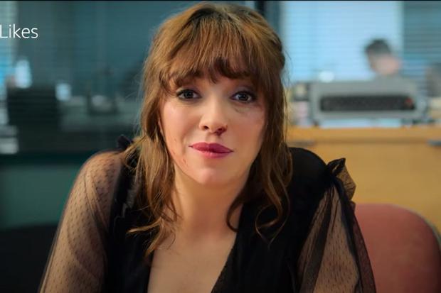 """Regina Blandón interpreta a Raquel Gámez en """"Guerra de likes"""" (Foto: Amazon Prime Video)"""