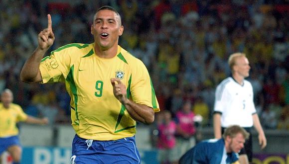 En el estadio Internacional de Yokohama Stadium, Ronaldo dejó su sello en la final de Corea-Japón 2002 con dos goles en arco alemán para firmar el quinto título mundial del Scratch. (Foto: AP)