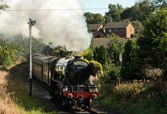 Reino Unido: La mítica locomotora a vapor de 1923 vuelve a circular| FOTOS