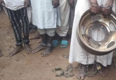 """La """"casa de la tortura"""" en la que retenían encadenados y esclavizados a más de 500 hombres y niños en Nigeria"""