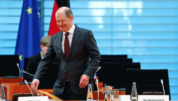 El Ministro de Finanzas y Vicecanciller de Alemania, Olaf Scholz, llega a la reunión semanal del gabinete en la Cancillería en Berlín, mientras continúa la propagación del coronavirus COVID-19 en el país. (AFP / X90145 / FABRIZIO BENSCH).