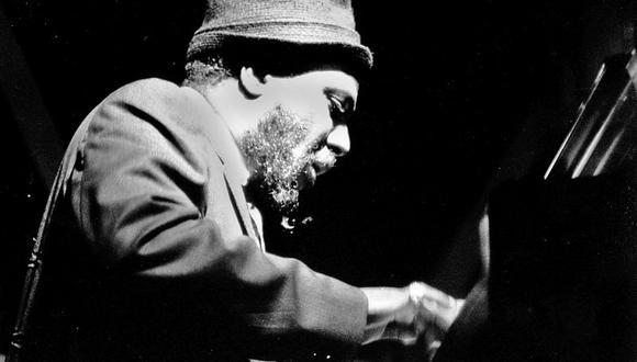 Thelonious Monk tocando durante el Newport Jazz Festival de 1963. [Foto: AF]