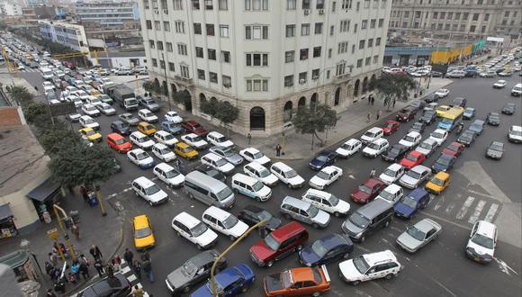 Tráfico caótico en Lima: una iniciativa para mejorar (Foto: Juan Ponce/ El Comercio)