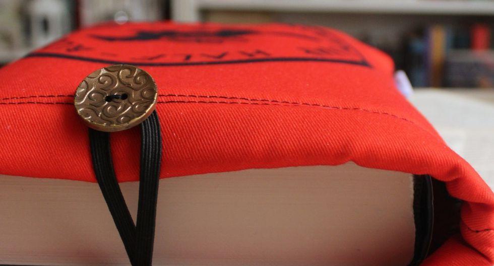 Estas hermosas fundas tienen tres capas de protección para que tus libros siempre estén en perfecto estado.