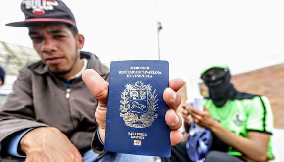 Los ciudadanos venezolanos deberán portar el pasaporte con el correspondente visado humanitario para ingresar a Perú. (Foto: GEC)