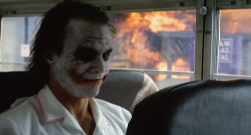 Es así como esta escena del Joker en Batman: el caballero de la noche fue retratada por un usuario de YouTube que la subió muchos años después. | Warner Bros