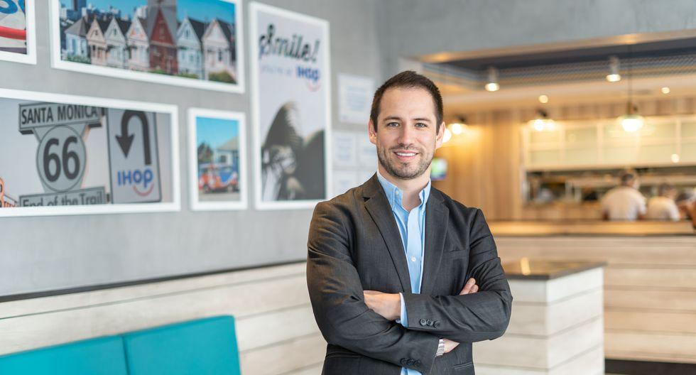 Alex Neira sostiene que el plan es que IHOP opere 25 restaurantes en los próximos diez años.
