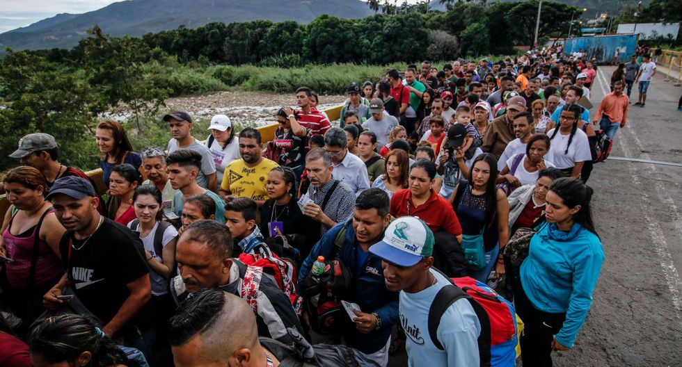 El paso entre Táchira y Norte de Santander, la frontera más dinámica de Venezuela con Colombia, fue reabierto este sábado después de casi cuatro meses cerrado por orden de Maduro. (Foto: AFP)