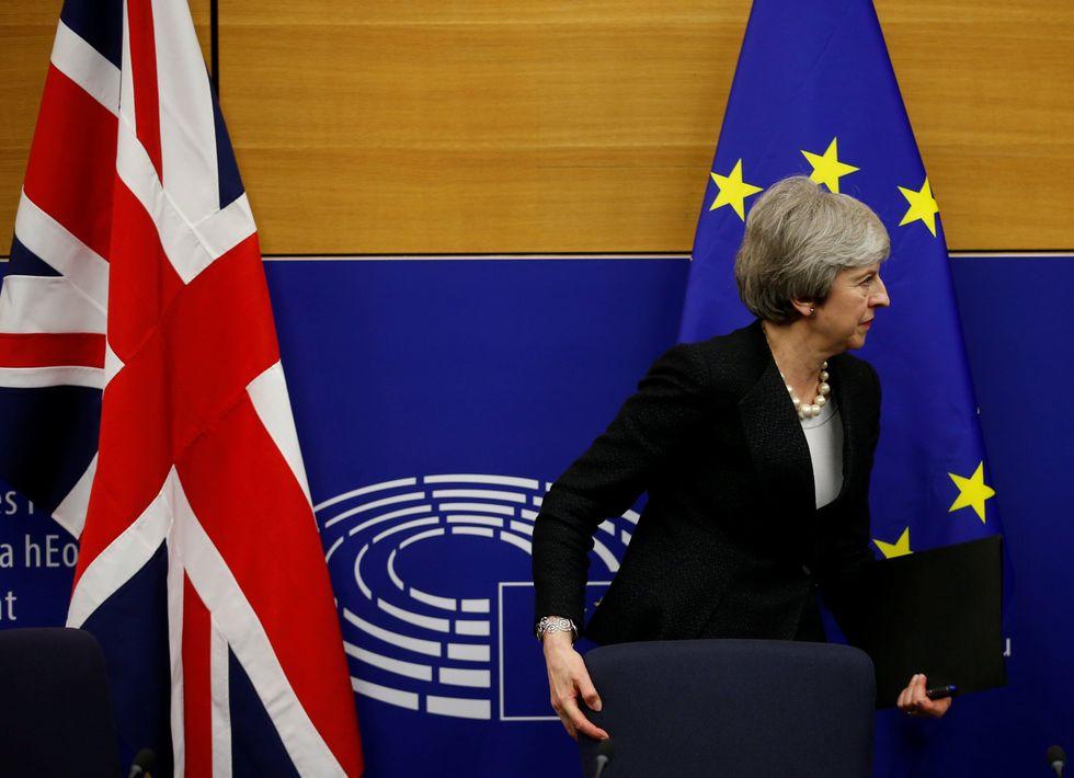 Un aplazamiento podría acabar desembocando en la convocatoria de elecciones legislativas anticipadas o en la organización de un segundo referéndum. (Reuters)
