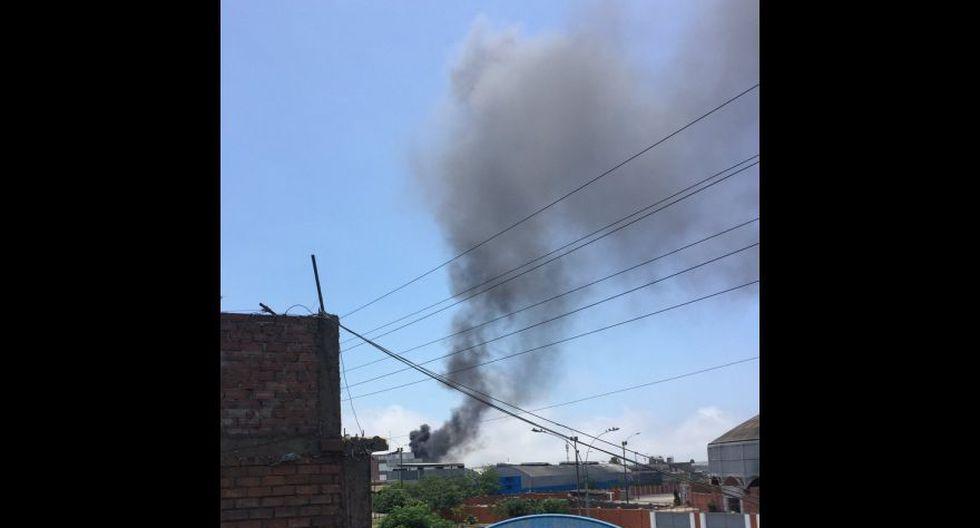 Cercado de Lima: incendio afecta almacén en la Av. Venezuela - 6