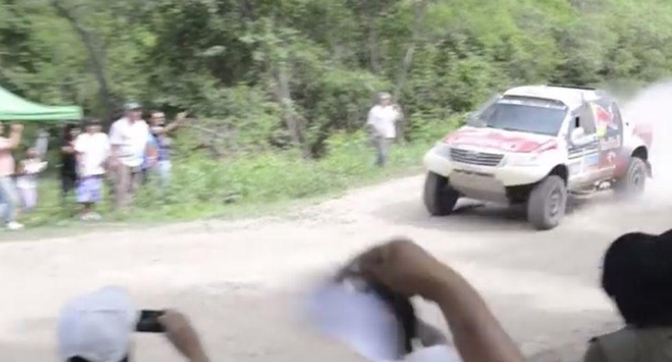 VIDEO: Cómo arriesgar tu celular por una buena toma
