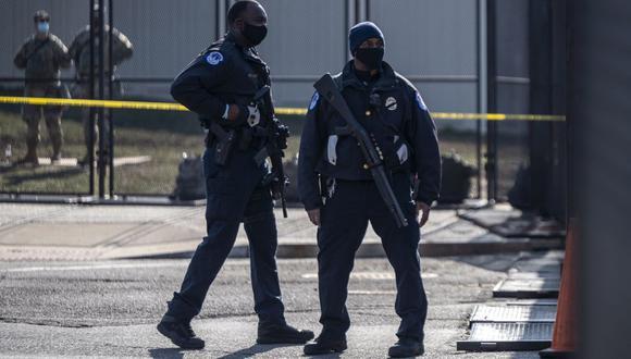 Imagen referencial de policía en Washington, DC, el 4 de marzo de 2021. (ANDREW CABALLERO-REYNOLDS / AFP).