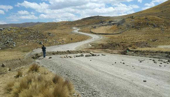 Bloqueos se registran a la altura del distrtito de Capacmarca (provincia de Chumbivilcas) y Urinsaya (provincia de Espinar), en la región Cusco. (Foto: referencial cortesía)