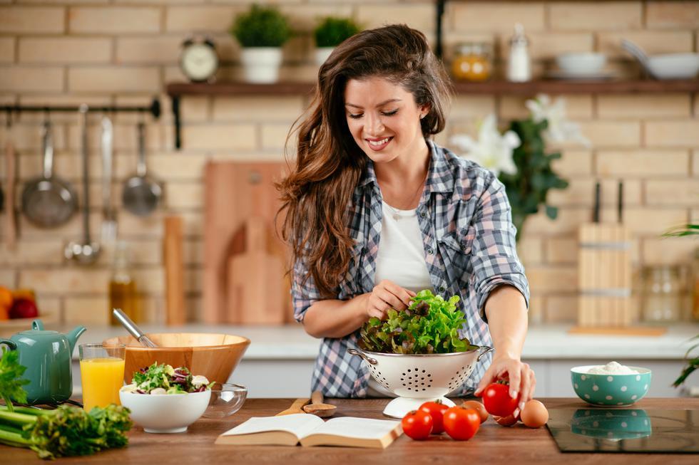 Este 18 de junio se celebra el Día de la Gastronomía Sostenible, fecha que busca promover los hábitos alimenticios amigables con el medio ambiente y ser respetuosa de cada tradición local. (Foto: Shutterstock)
