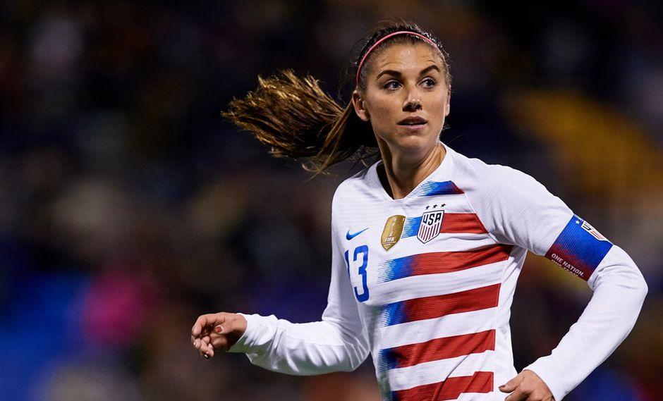 Gran protagonista en el debut de Estados Unidos en el Mundial femenino de Francia con cinco goles, Alex Morgan utiliza su condición de estrella para promover este deporte en las mujeres. (Foto. AP)