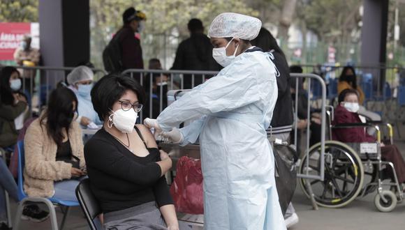 La vacunación contra el coronavirus (COVID-19) avanza en el país | Foto: @photo.gec / Referencial
