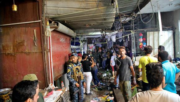 El estallido se produjo en un mercado situado en el populoso barrio de Ciudad Sadr, bastión de los seguidores del influyente clérigo Muqtada al Sadr y que ha sido blanco de numerosos atentados en los pasados años a manos de grupos como Al Qaeda y el Estado Islámico. (Foto: Khalid Mohammed / AP)