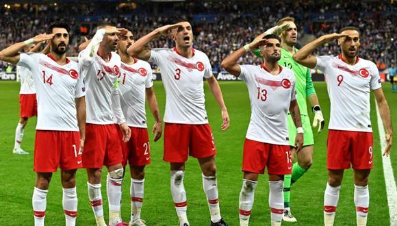 Jugadores turcos realizaron polémico gesto militar | Foto: Agencias