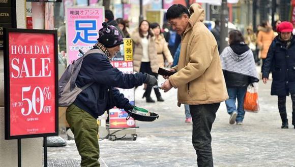 Las personas mayores y los jóvenes son los más afectados por la pobreza en Corea del Sur. Foto: Getty images, vía BBC Mundo