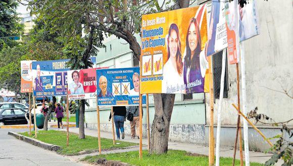 Jesús María tiene 112 mil electores y 18 candidatos que buscan suceder al actual alcalde distrital, Carlos Bringas. La propaganda ha invadido las calles de esta jurisdicción. (Rolly Reyna / El Comercio)