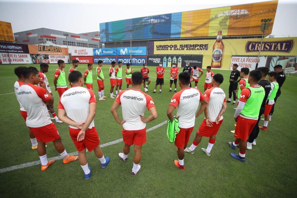 Alessandro Burlamaqui junto a Leonardo De La Cruz ya vienen entrenando con la sub-20 de Perú   Foto: FPF