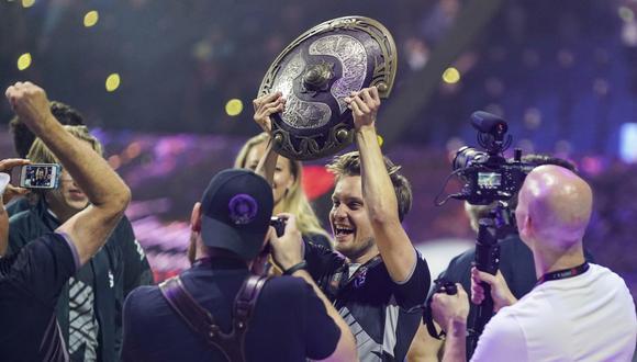 Jesse Vainnika del equipo OG en The International 2019, el campeonato más importante de Dota 2. Se trata del torneo de videojuegos que reparte más dinero en premios. (Foto: AFP)