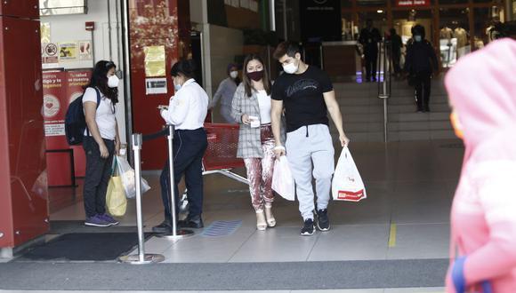 El Gobierno aprobó recientemente la ampliación de aforos de los centros comerciales y restaurantes a 60%, mientras que en las zonas de aire libre podrá ser de 70%. (Foto: Francisco Neyra / GEC)